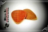 آموزش تصویری ساخت پیک گیتار چوبی